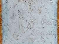 superfície pintada de branco