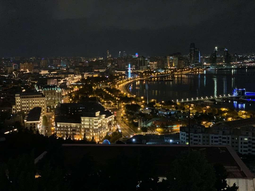 letecký pohled na město v noci - Baku. Teymur Elchin str, Baku, Ázerbájdžán (5×4)