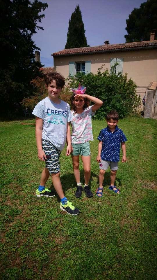De är inte vackra - 3 barn bror och syster (6×12)
