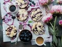 felülnézet fotózás áfonyás sütemények
