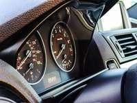 fekete BMW autó műszerfal panel
