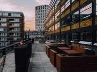 photo architecturale de bâtiments pendant la journée