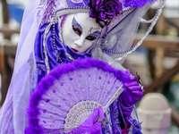 Venetianska masker och kostymer