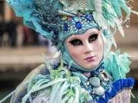 Венециански маски и костюми