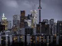 fotografia de paisagem de edifícios altos