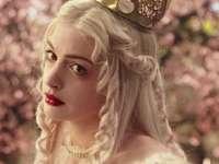 бяла кралица