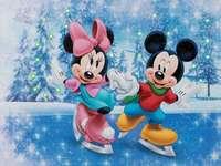 Mickey e Minnie Mouse patinação