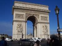 Paříž pod obloukem