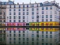 Το Παρίσι αντανακλάται στο νερό