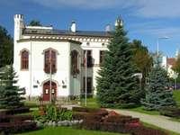 ein historisches Gebäude in Kętrzyn