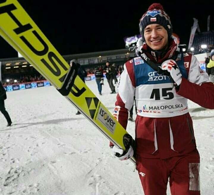 Kamil Stoch - Kamil Stoch polský skokan na lyžích (3×3)