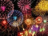Fuochi d'artificio nel cielo.