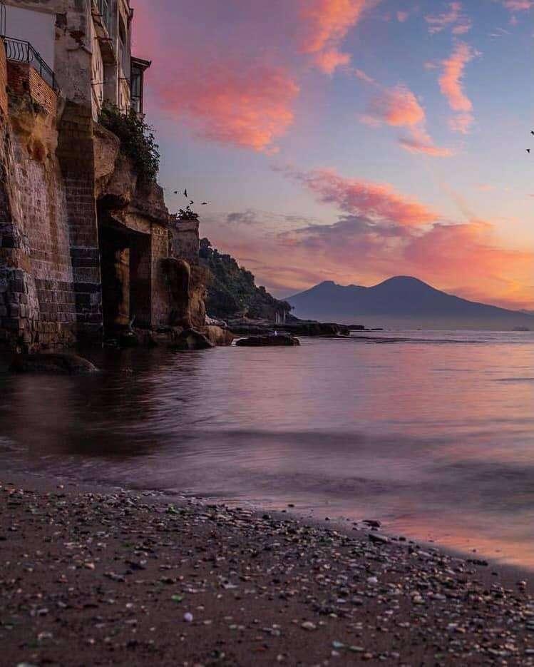 изгрев в Позилипо Неапол Италия