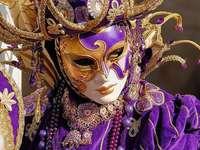 Măști și costume de carnaval de la Veneția