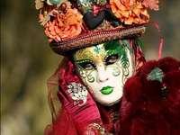 Benátské karnevalové masky a kostýmy