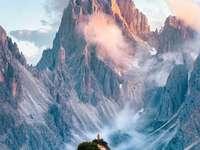 Vista de las cimas de las montañas