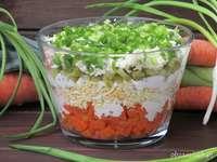 Geschichteter Salat
