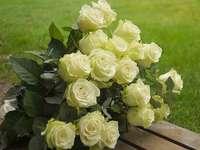 букет от кремави рози