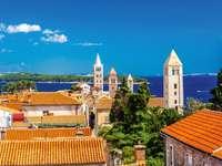 Město na ostrově Rab v Chorvatsku