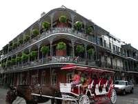 uma carruagem turística em nova orleans