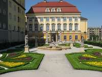 Jardim barroco no Palácio Real em Breslávia