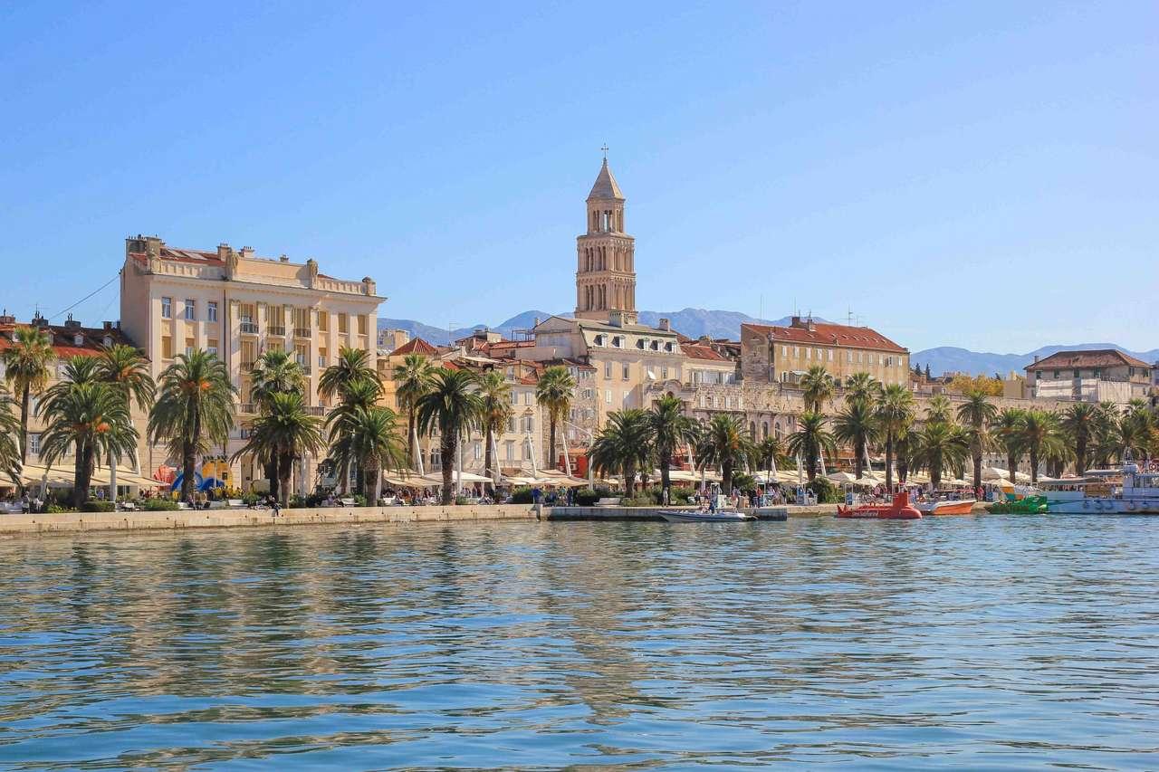 Delad stad i Kroatien (16×11)