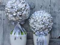 bile de zăpadă cu baloane
