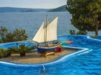 Trogir hotel piscina Croácia