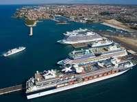 Ciudad portuaria de Zadar de Croacia