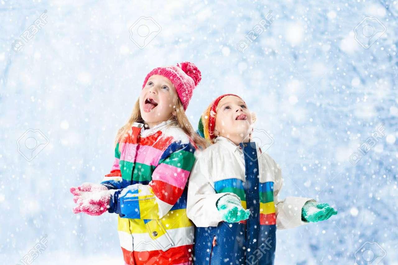 sníh - sníh a děti si užívají sněhu (3×2)