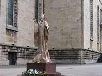Monumentul Papei Ioan Paul al II-lea din Katowice