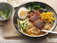 Sopa de ramen japonesa