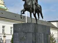 Monument au prince Józef Poniatowski à Varsovie