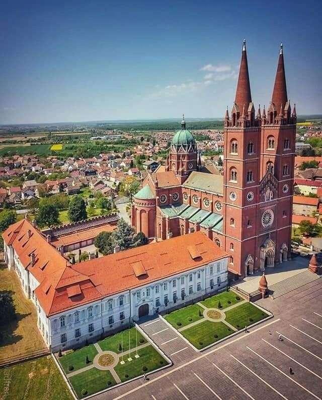 Dakovská katedrála Chorvatsko (9×12)