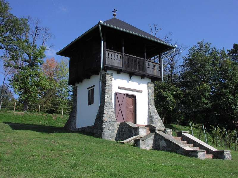 Kutjevo v Chorvatsku - Kutjevo Tower v Chorvatsku (14×11)