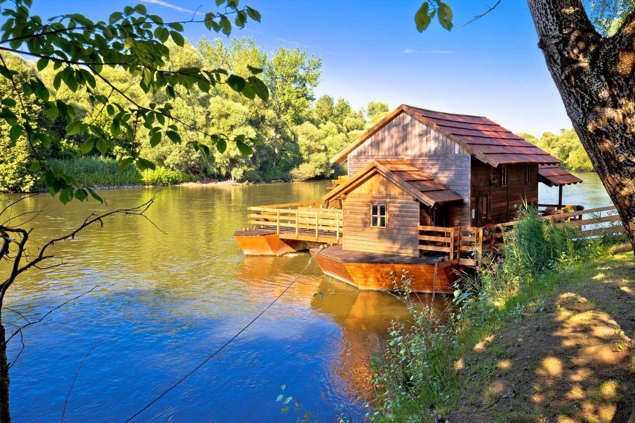 Лодка за хижи в Хърватия (16×11)