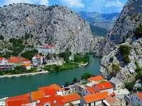 Ville d'Omis en Croatie