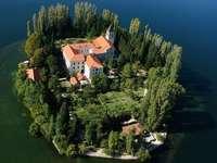 Mosteiro de Visovac na Croácia