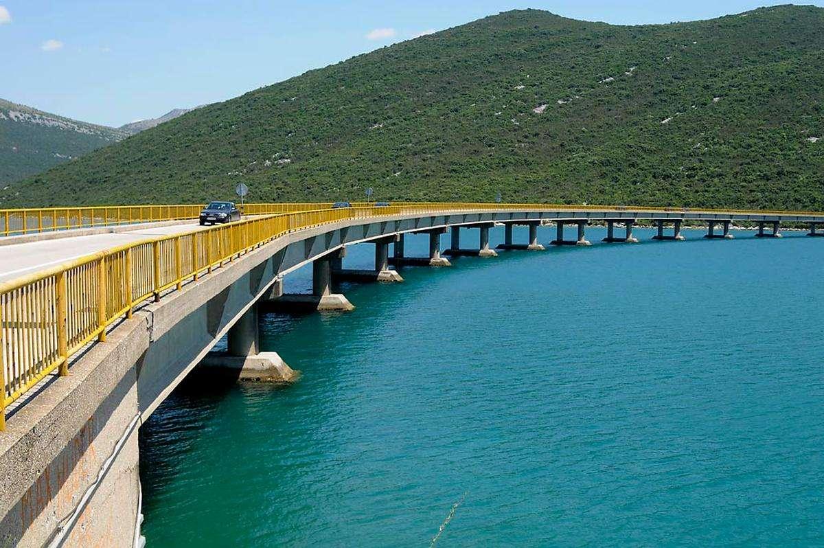 Podul Zaton Doli Croația (16×11)