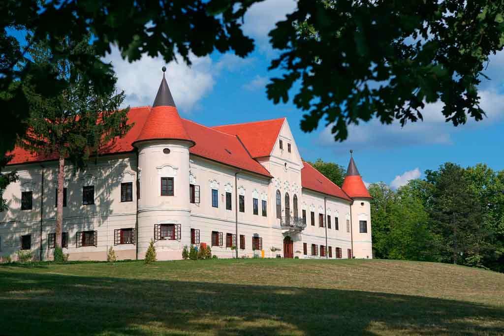 Luznica vár Horvátország (16×11)
