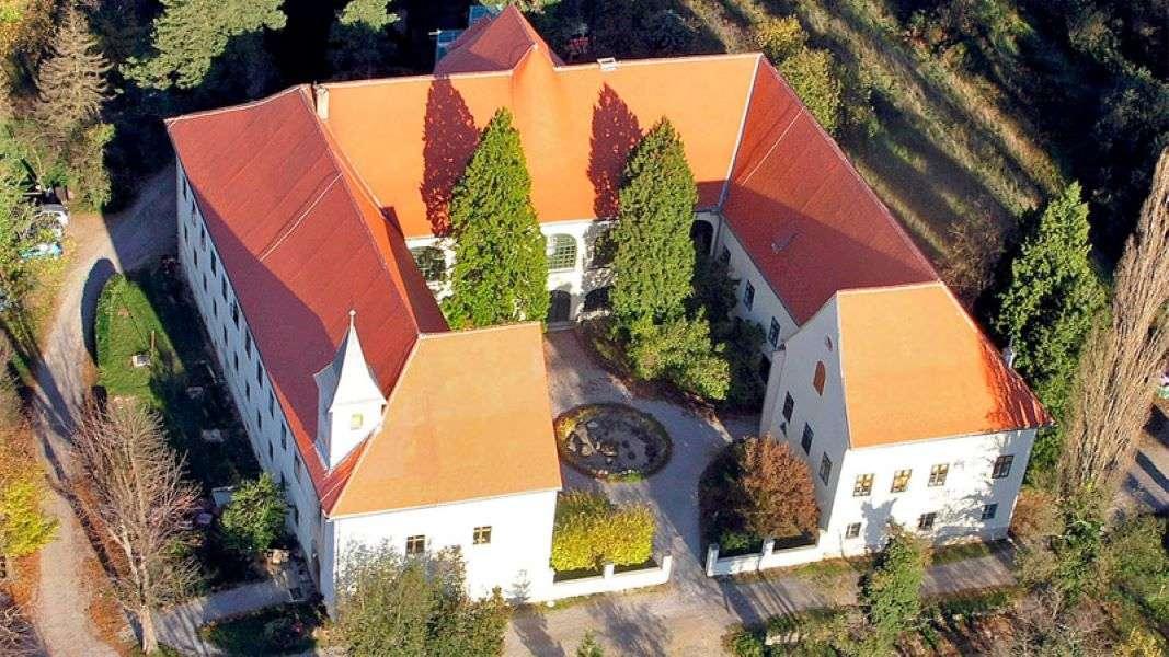Замъкът Оршич Хърватия (17×10)