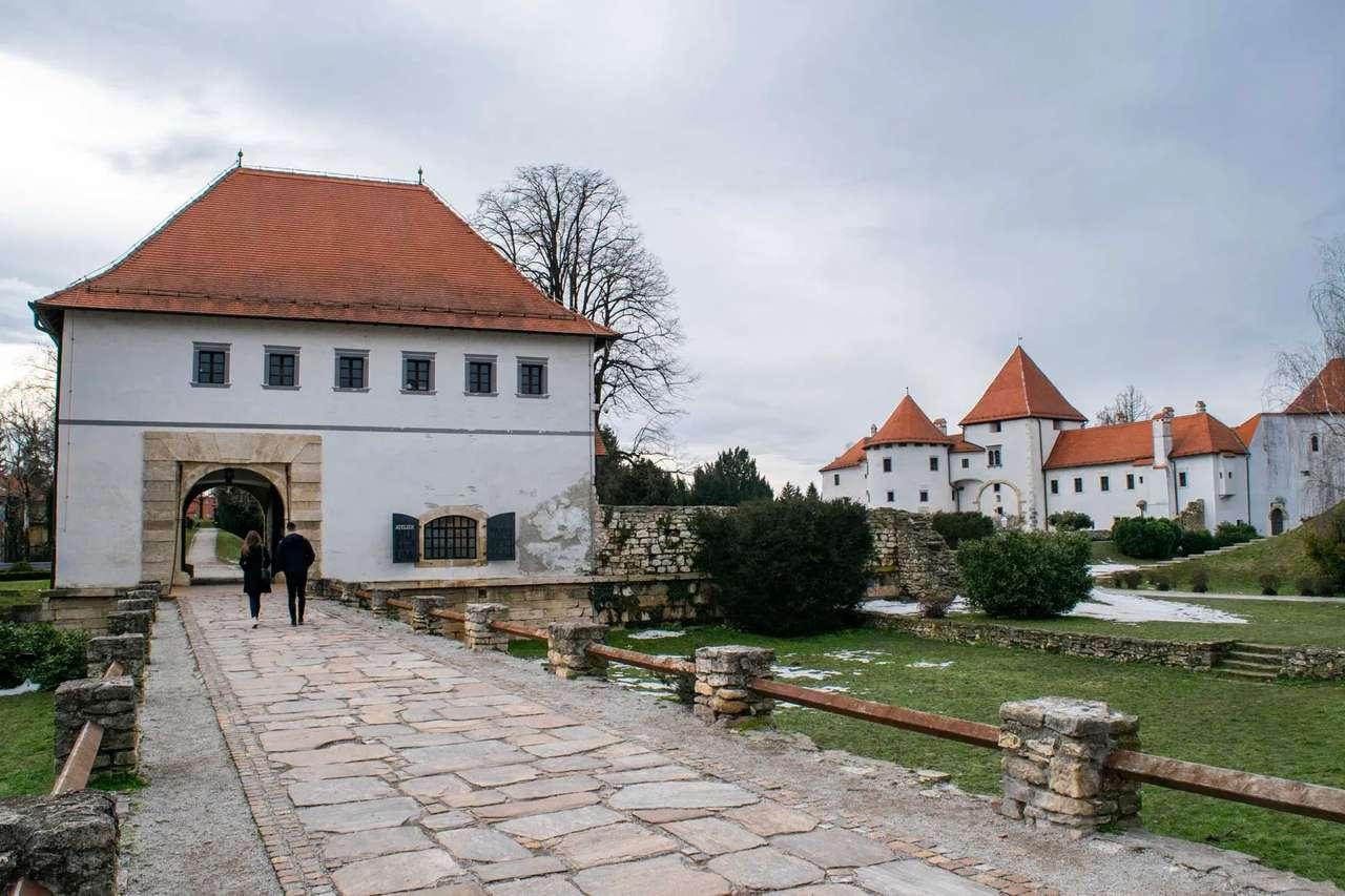 Замъкът Вараждин Хърватия (16×11)
