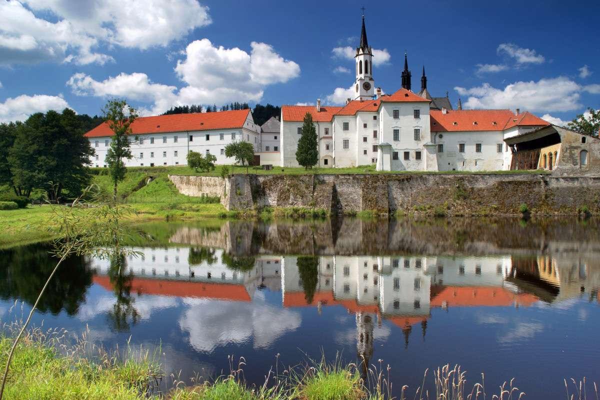Замъкът Виси Брод Хърватия (16×11)