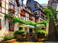 интересна улица със стълби
