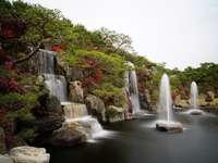 waterval, fontein in het park