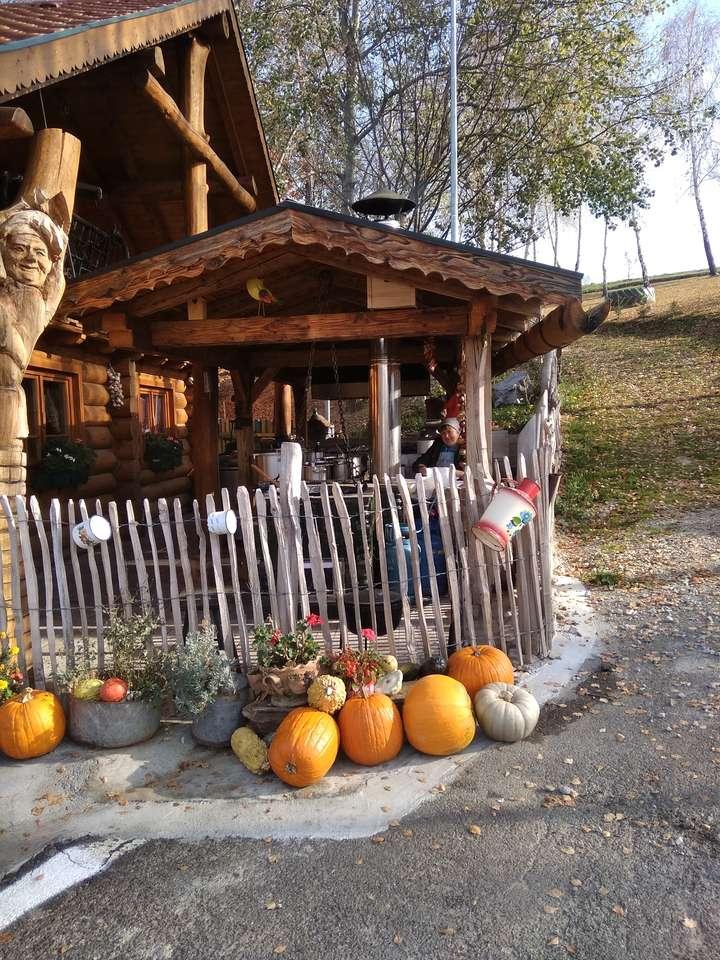 Хута Славия през ноември - Традиционен ресторант край пътя (9×12)