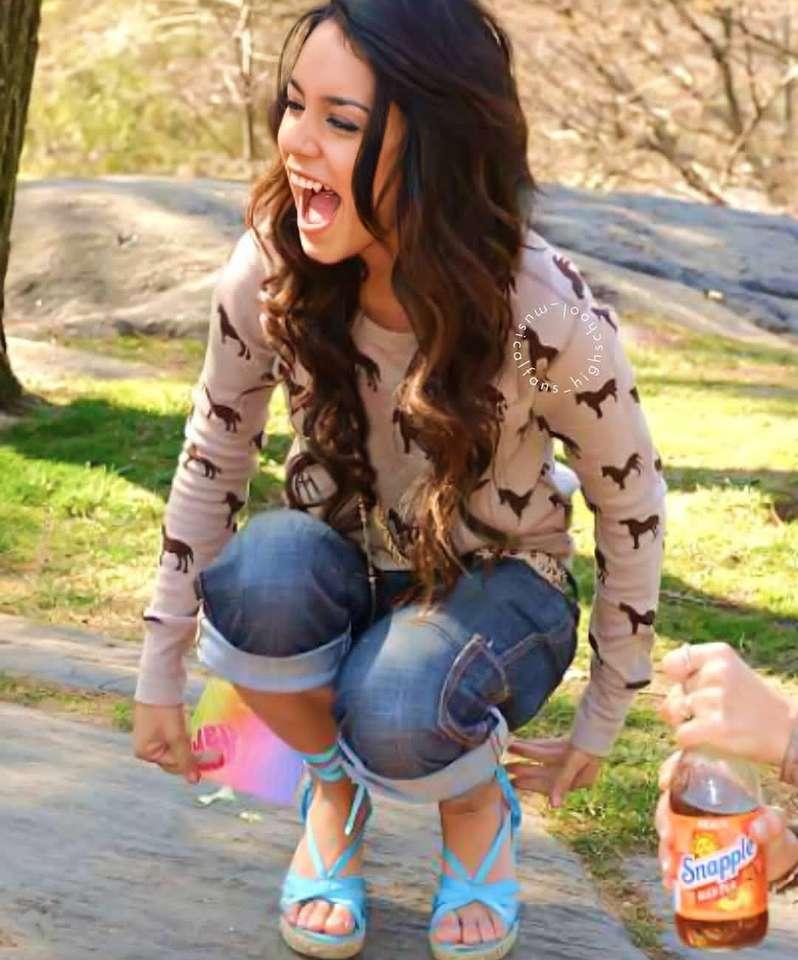 Gabriella Montez - Gabriella Montez, hrdinka filmu High School Musical (2×3)