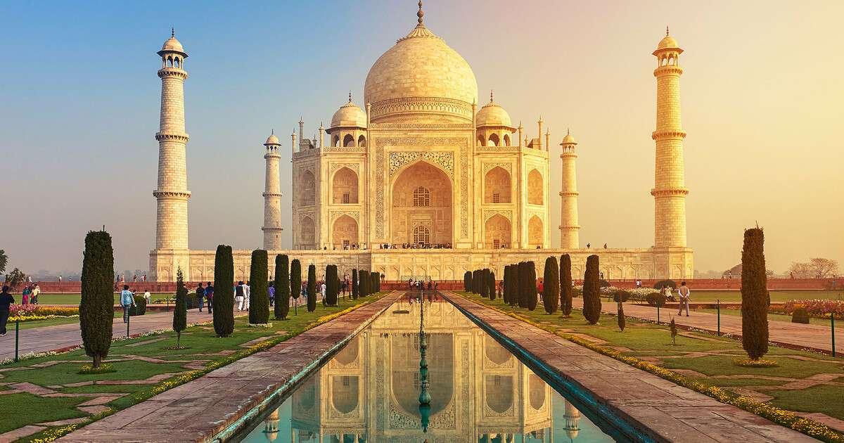 Tadż Mahal - Słynna budowla położona w Indiach (9×5)