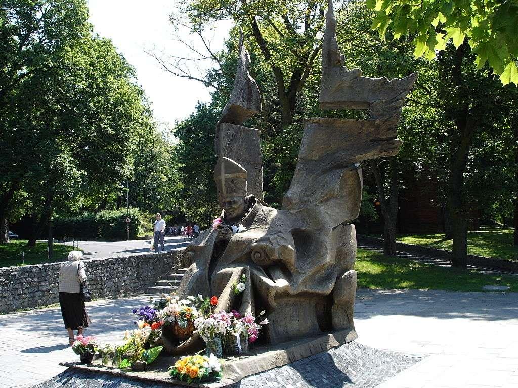 Pomniki i miejsca pamięci narodowej w Stargardzie - Pomniki i miejsca pamięci narodowej znajdujące się w Stargardzie: (4×3)