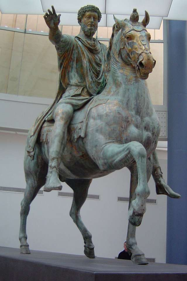 Ιππικό άγαλμα του Μάρκου Αυρηλίου - Ιππικό άγαλμα του Μάρκου Αυρηλίου - ένα αρχαίο άγαλμα που βρίσκεται στο Λόφο του Καπιτωλίου στη Ρώμη, που κατα (2×4)